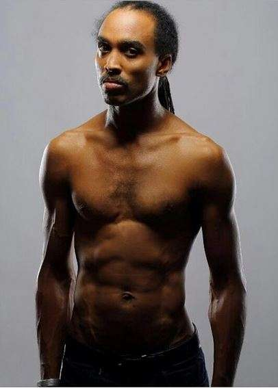 Ade Bantu halk naked - All Naija Entertainment